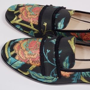 Zara Basic Floral Embroidered Loafers, sz 9